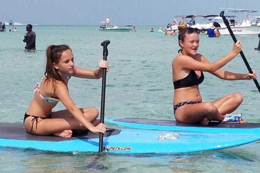girls havn fun at snipes
